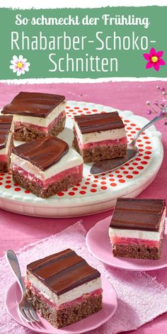 Rhubarb and chocolate wafers cake wedding cake kindergeburtstag ohne backen rezepte schneller cake cake Mini Desserts, Easy Cake Recipes, Dessert Recipes, Punch Bowl Cake, Moist Banana Bread, Chocolate Wafers, Chocolate Cups, Food Cakes, Cookies Et Biscuits