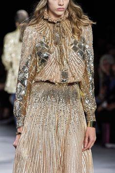 Celine Spring 2020 Ready-to-Wear Fashion Show Details: See detail photos for Celine Spring 2020 Ready-to-Wear collection. Look 197 Fashion 2020, High Fashion, Fashion Show, Paris Fashion, Women's Fashion, Fashion Trends, Celine, Vogue Paris, Backstage
