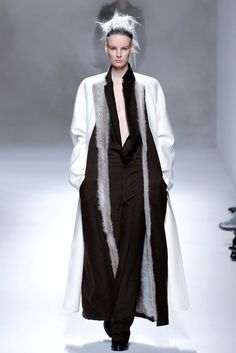 Haider Ackermann Fall 2013 Ready-to-Wear Fashion Show - Irene Hiemstra (VIVA)