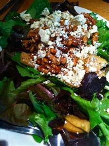California Pizza Kitchen Copycat Recipes: Field Greens Salad: Dressing, cup balsamic vinegar 2 tablespoons Dijon mustard 1 tablespoon minced garli… - New Site California Pizza Kitchen, Gorgonzola Pizza, Green Salad Dressing, Cooking Recipes, Healthy Recipes, Pizza Recipes, Keto Recipes, Green Salad Recipes, Candied Walnuts