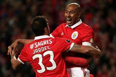 O Benfica venceu, este domingo, o Vitória de Setúbal, no estádio da Luz, por 6-0.