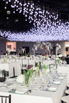 Twinkling hanging bulbs wedding decoration ideas | This is amazing! Head over to The Wedding Stylist where you can see more of their unique works http://www.bridestory.com.sg/the-wedding-stylist/projects/monochrome