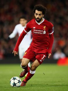 Mohamed Salah of Liverpool in action during the UEFA Champions League group E match between Liverpool FC and Spartak Moskva at Anfield on December 2017 in Liverpool, United Kingdom. Best Football Players, Football Fans, Soccer Players, Liverpool Fc, Liverpool Football Club, Uefa Champions League, Mohamed Salah Liverpool, Fifa, Frases