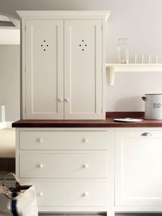 The Wymeswold Shaker Kitchen by deVOL