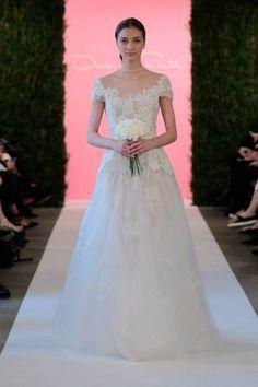 Die Frühlings-Brautmoden-Kollektion 2015 von Óscar de la Renta Spring – präsentiert auf der New York Bridal Week Image: 8