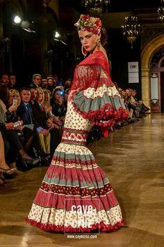 Flamenco Dresses, Dancer, Ideas, Fashion, Hair Combs, Bangs, Moda, Fashion Styles, Dancers