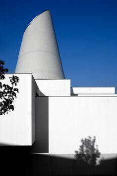 Edificio Revigrés | Revigrés Building  Agueda - 1997 | © Fernando Guerra, FG+SG Architectural Photography