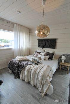 Coconut White Comforters, Master Bedroom, Bedrooms, Coconut, Relax, Minimalist, Rustic, Decorating, Blanket