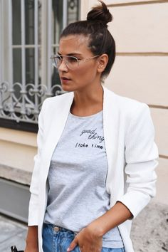 Die Brille muss sowohl zur Gesichtsform, als auch zum Stil passen
