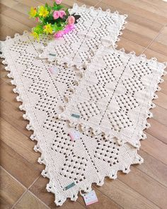 Crochet Square Patterns, Crochet Squares, Crochet Designs, Crochet Carpet, Crochet Home, Crochet Tablecloth, Crochet Doilies, Handgestrickte Pullover, Table Runner And Placemats