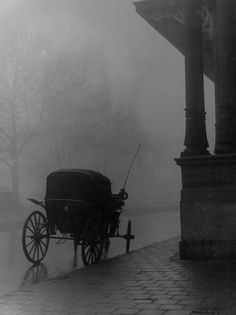 """"""" Coach in the Fog  """" London 1955. photo: Kees Scherer."""