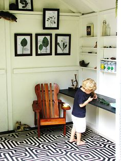 occupied black and white mod pattern on flooring Informations About chaotic black and white mod samp Garden Shed Interiors, Garden Sheds, Playhouse Interior, Backyard Playhouse, Playhouse Ideas, Playhouse Decor, Shed Floor, Wendy House, Room Of One's Own