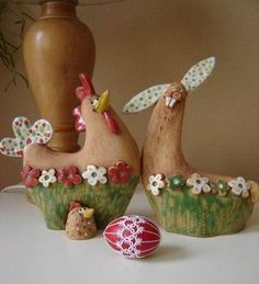 velikonoce keramika slepice Ideas and Images Ceramic Birds, Ceramic Animals, Paper Clay, Clay Art, Pottery Mugs, Ceramic Pottery, Ceramic Painting, Ceramic Art, Ceramic Chicken