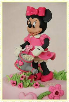 Minny mouse B-Day cake