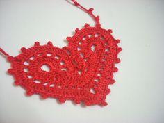 Valentine Heart Pendant Pattern pattern by Rosh Chow
