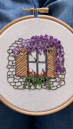 Handmade Embroidery Designs, Hand Embroidery Patterns Flowers, Basic Embroidery Stitches, Hand Embroidery Videos, Embroidery Flowers Pattern, Creative Embroidery, Simple Embroidery, Embroidery Techniques, Recycling