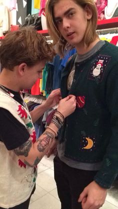 His tattoos are so great Cute Celebrities, Famous People, Christmas Sweaters, Actors, Music, Random, Handsome Celebrities, Christmas Jumper Dress, Actor
