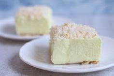 Ciasto Śnieżny puch : Ciasto Śnieżny puch Thermomix Składniki na ciasto Śnieżny puch Składniki na spód: ok 20 szt zwykłych prostokątnych herbatników Składniki na masę serową: 2. Przepis na Ciasto Śnieżny puch
