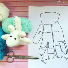Haz un peluche con un guante!!! En nuestro canal de YouTube podrás ver el vídeo tutorial paso a paso  No te lo pierdas