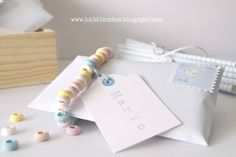 Dulce invitación postal / Invitaciones handmade personalizadas para eventos by  H A B I T AN 2 http://habitandos.blogspot.co…