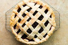 Old Fashion Saskatoon Pie Saskatoon Berry Recipe, Saskatoon Recipes, Pie Recipes, Baking Recipes, Dessert Recipes, Baking Ideas, Yummy Recipes, Delicious Desserts, Cheesecake Pie