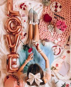 Valentines Day Teddy Bear, Ads Creative, Wedding Veil, Wonder Woman, Puppies, Superhero, Fictional Characters, Goals, Wallpapers