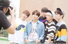 SHINee group photo
