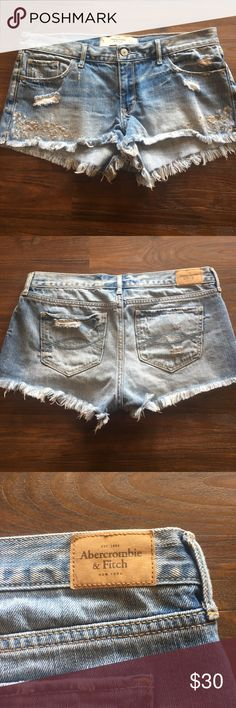 Abercrombie & Fitch Shorts Abercrombie & Fitch Shorts size 8 waist 29 with embroidered detail worn once excellent used condition Abercrombie & Fitch Shorts Jean Shorts