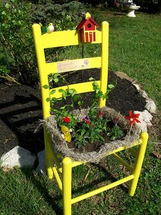 Old Chair Design And Decor For Your Garden Ikea Chair, Diy Chair, Garden Chairs, Garden Planters, Old Chairs, Outdoor Chairs, Adirondack Chairs, Outdoor Dining, Dining Chairs