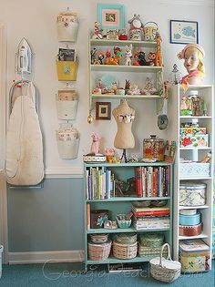 Inspiration for my sewing room. Craft Room Storage, Craft Organization, Craft Rooms, Organizing Ideas, Sewing Spaces, My Sewing Room, Sewing Rooms, Space Crafts, Home Crafts