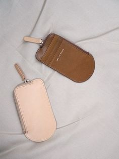 ICE CREAM WALLET, Natural Tan Leather Badge Holder, Minimalist Leather Wallet, Shops, Leather Phone Case, Handmade Purses, Leather Art, Natural Tan, Wallet Chain, Small Leather Goods