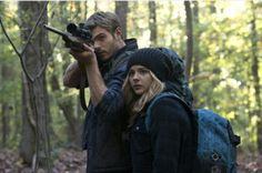 Evan Walker (Alex Roe) and Cassie Sullivan (Chloe Grace Moretz) 5th Wave movie. @lostinlibraries @readiculousgirl