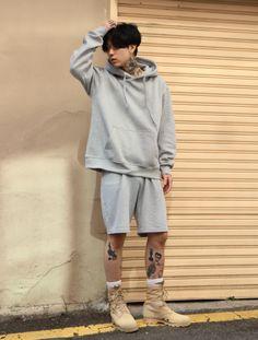 korean boy in tattoo ✿ Korean Fashion Men, Ulzzang Fashion, Korean Men, Asian Fashion, Tumblr Fashion, Fashion Mode, Kpop Fashion, Dark Fashion, Fashion Outfits