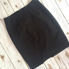 Calvin Klein black skirt Simple & classic Calvin Klein black skirt. Perfect for any occasion and such a wardrobe staple! In excellent condition. Measurements: waist approx 16, length 22. Calvin Klein Skirts Midi
