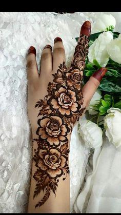 Rose Mehndi Designs, Henna Tattoo Designs Simple, Finger Henna Designs, Mehndi Designs For Girls, Latest Bridal Mehndi Designs, Henna Art Designs, Modern Mehndi Designs, Beautiful Mehndi Design, Mehndi Designs For Beginners