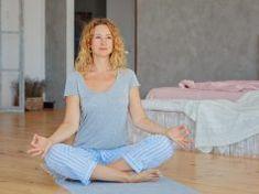 Zkroťte svoje hormony pomocí jógy