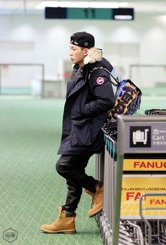 OMFG I HAVE DAT JACKET. #TWINNINGACROSSTHWGODDMOCEAN #airportstylelevel:bobbae♡