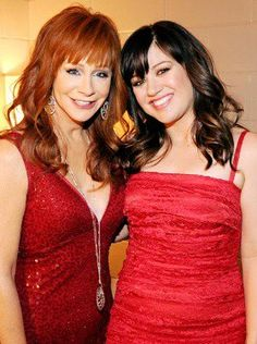 """Reba McEntire is """"thrilled to death"""" to have Kelly Clarkson join the family as her daughter-in-law! #Celebrity #Hollywood"""