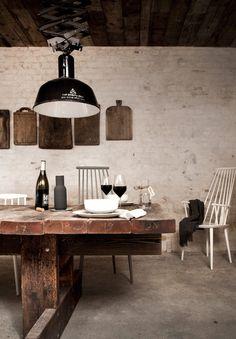 El estudio de arquitectura Norm y el estudio de diseño danés Menu han unido sus fuerzas con los restauradores de Copenhague Cofoco para crear un restaurante claramente urbano con obvias referencias románticas y rurales. Höst es la encarnación de