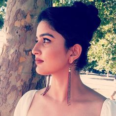 """Parshurami vaidehi, Marathi star, """"To be inspired is great, to inspire is incredible."""" Keep inspiring! Beautiful Girl Wallpaper, Indian Face, Beautiful Indian Actress, Indian Girls, Indian Beauty, Indian Actresses, The Incredibles, Clothes For Women, Celebrities"""