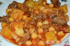 Meat with chickpeas - Carne con garbanzos Lunch Recipes, Meat Recipes, Mexican Food Recipes, Dinner Recipes, Cooking Recipes, Healthy Recipes, Ethnic Recipes, Costa Rican Food, How To Cook Pork