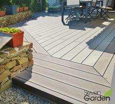 2 couleurs lames composites differentes sur terrasse-min Lame Composite, Terrace, Composition, Sidewalk, Deck, Patio, Outdoor Decor, Garage, Construction