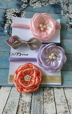 Satin Flowers, Diy Hair Bows, Baby Headbands, Diy And Crafts, Sewing Projects, Shabby, Easy, Accessories, Tela