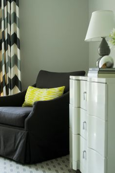 two-tone chevrons & a pop of yellow