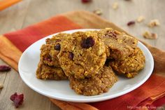 Pumpkin Breakfast Cookies - these little cookies make for the perfect breakfast and contain no added sugar or dairy!