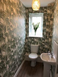 Green wallpaper cloakroom toilet - Honolulu Julien MacDonald