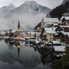Fairy Tale Hallstatt Austria   #earthpix #beautifuldestinations #wonderful_places #master_shots #master_gallery #ig_masterpiece #ig_today #ig_turkey #nakedplanet #disvoverearth #sunset #sunrise #oldkyrenian #yallersitalia #super_italy #awesome #mthrworld  #bestvacations #love #holiday #best_worldplaces #awesomeearth #ig_shotz #wildernessearth .