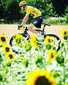 Chris Froome: Fun in the sun Stage 7 TDF2017 @simongillphoto