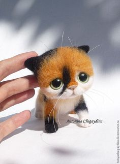 Our goal is to keep old friends, ex-classmates, neighbors and colleagues in touch. Needle Felted Cat, Needle Felted Animals, Felt Animals, Cute Animals, Wooly Bully, Needle Felting Tutorials, Felt Cat, Cat Crafts, Felt Toys