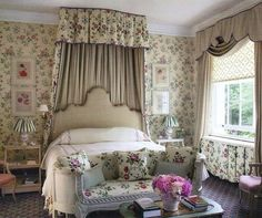 Saturday Inspiration - A quintessentially English bedroom by @nickyphaslam (I wouldn't mind watching the wedding from that bed!)…